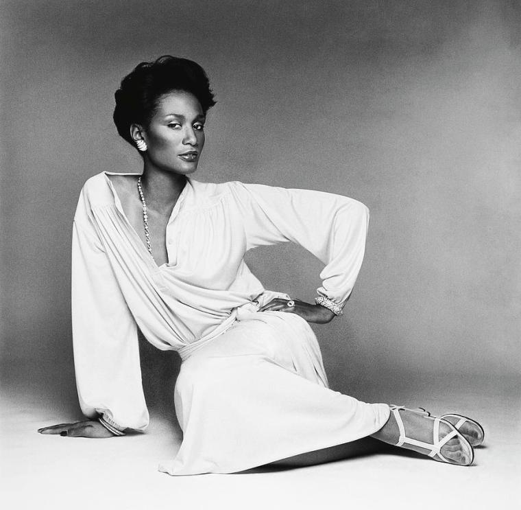beverly-johnson-wearing-a-blouson-jersey-dress-francesco-scavullo