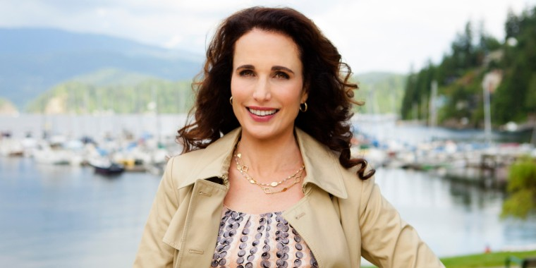 Debbie Macomber's Cedar Cove 1006-- (Photo by: Katie Yu/Hallmark)