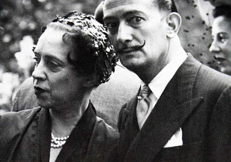 Elsa_Schiaparelli_and_Salvador_Dali